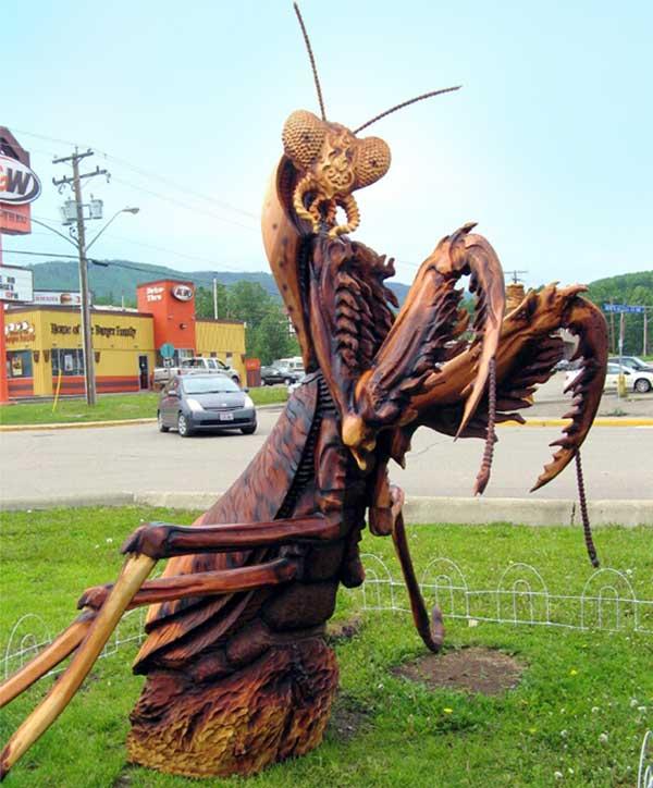 Chainsaw Art Praying Mantis